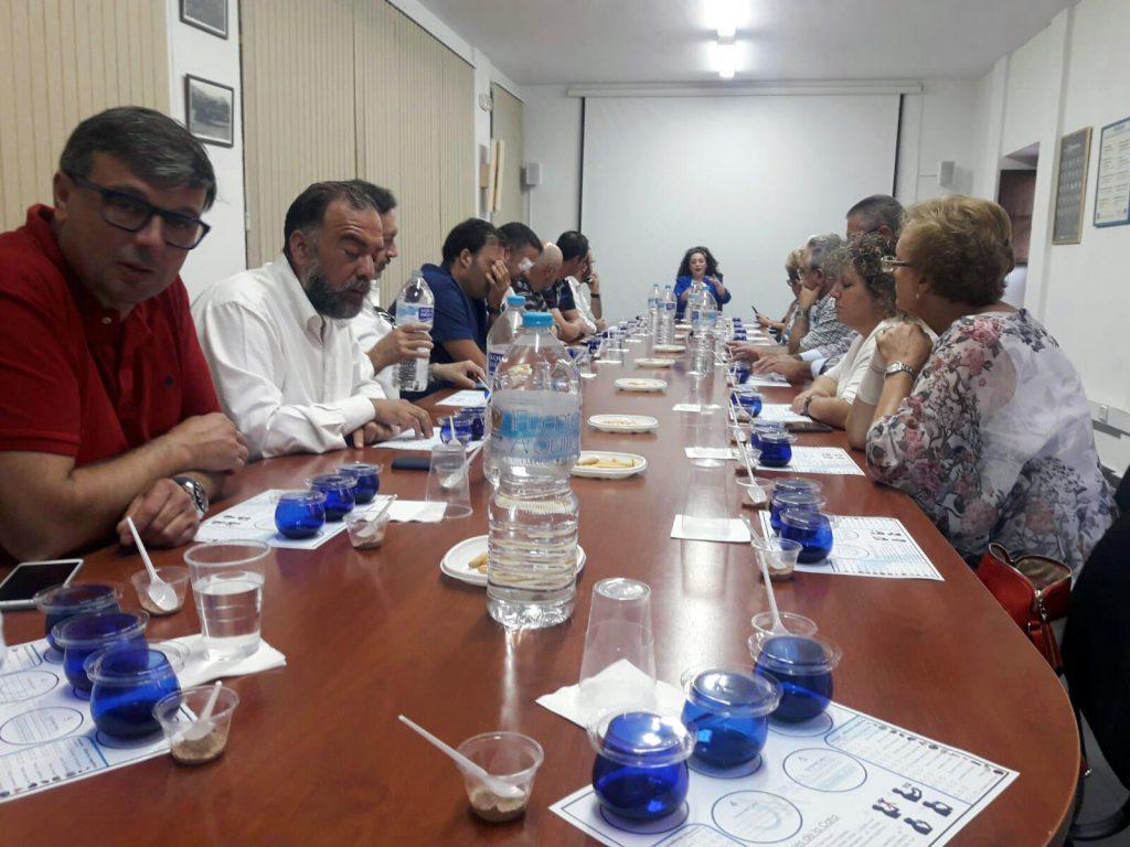 Cata de aceite organizada por el PP de Úbeda en el Centro de Interpretación 'Olivar y Aceite'.