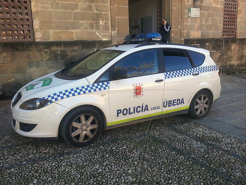 Coche patrulla de la Policía Local de Úbeda.